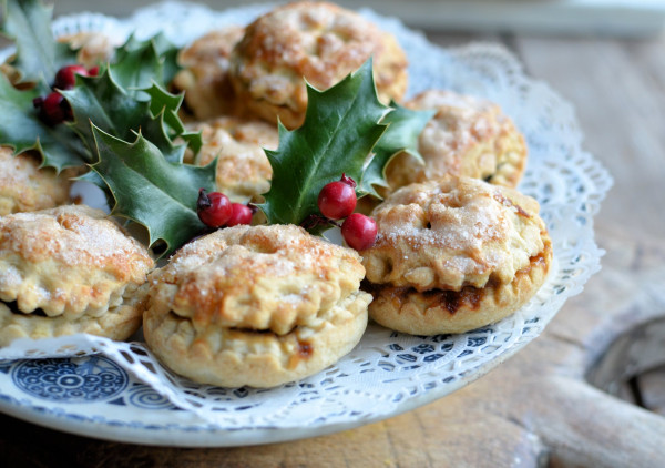 Frosted Orange & Brandy Mince Pies