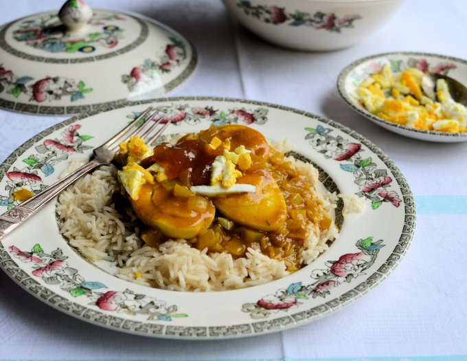 Country House Light Luncheon Recipe: Edwardian Curried Eggs