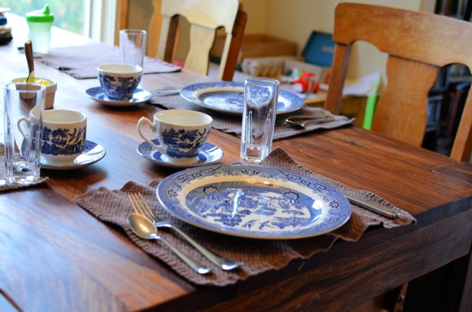 Blue Willow Breakfast Table