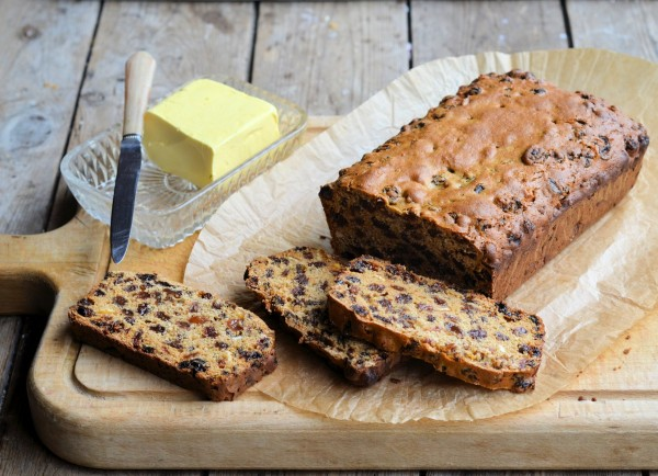 "FARMHOUSE ""TEACUP"" SPICED FRUIT LOAF RECIPE"