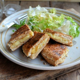 Garlic Bread Cheese Toastie