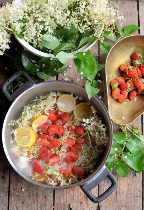 Making Elderflower and Strawberry Cordial