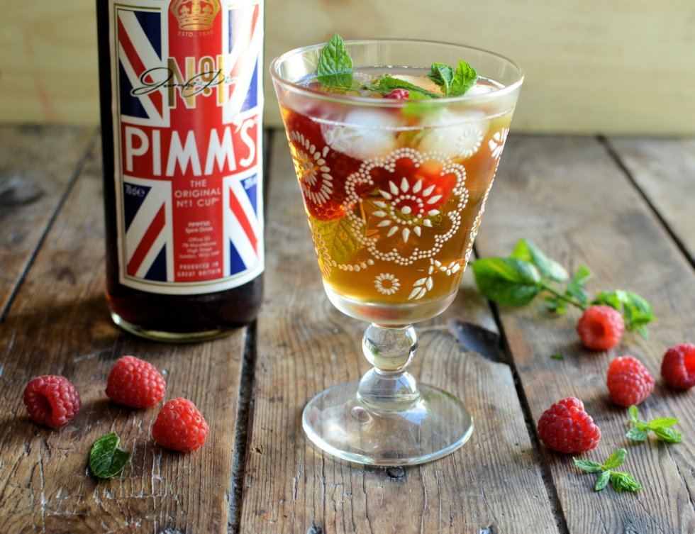 Raspberry & Elderflower Pimm's Cocktail