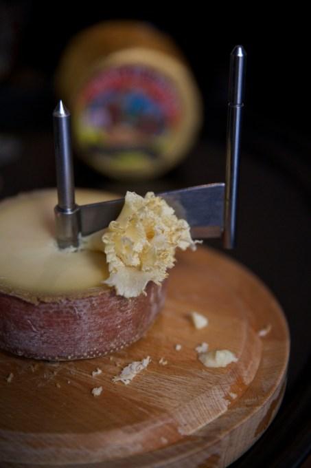 Girolle Cheese Curler