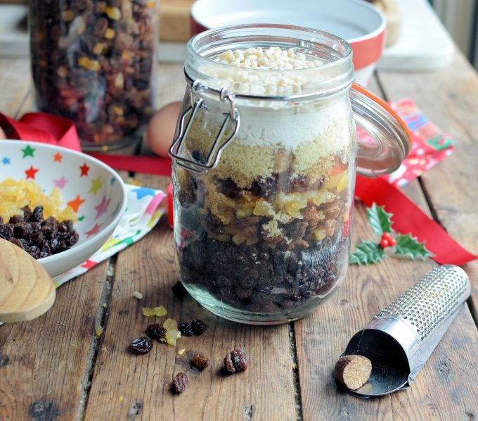 Christms Pudding in a Jar (Gift in a Jar) (6)