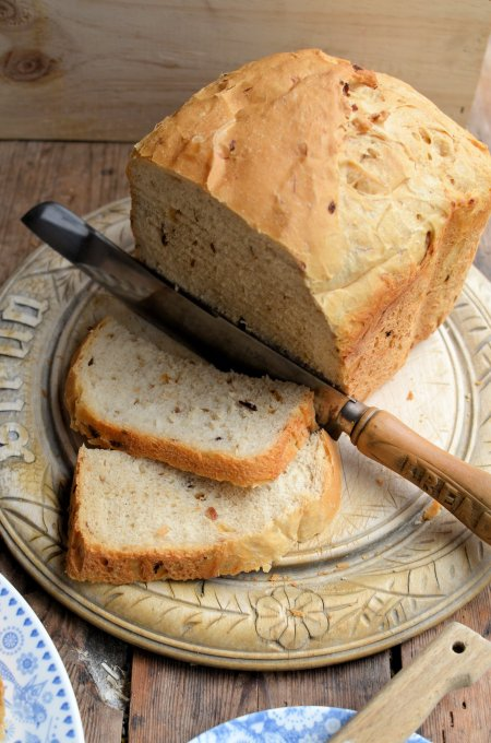 Shallot & Garlic Country Style  Bread