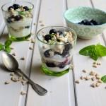 Little Blueberry & Yoghurt Oat Pots