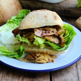 The Summer Spice Club: Sticky Pulled Chicken Sliders