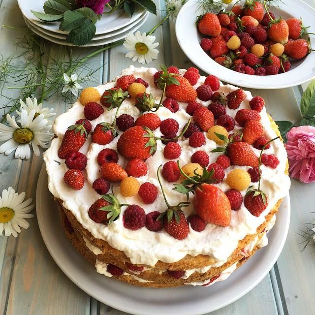 Swedish Midsummer Strawberry and Raspberry Cake