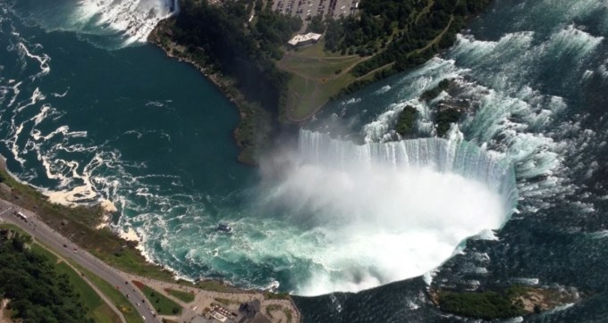 Over the Niagara Horseshoe Falls in a Helicopter