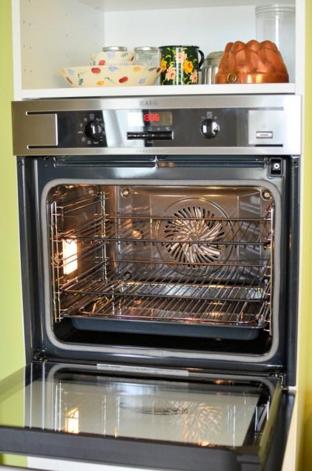 AEG Scarborough Fair Chicken Oven Shot