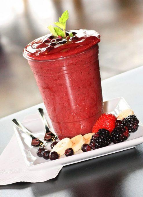 Saskatoon berry smoothie at Kekuli Cafe