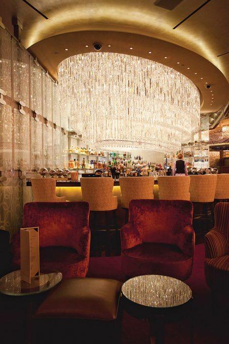 Chandelier-Bar-Cosmpolitan-Las-Vegas