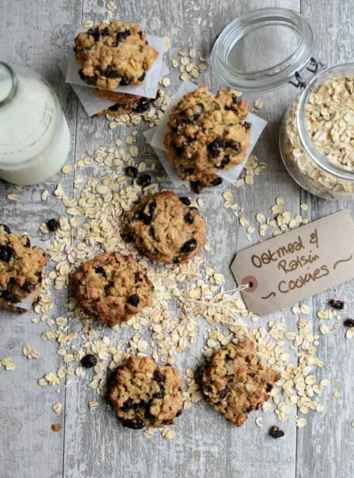 Old-Fashioned Oatmeal & Raisin Cookies