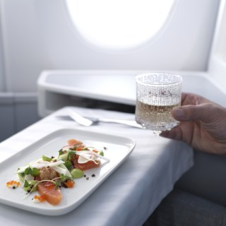 Finnair_A350_business_class_salmon_dish_ultima_thule