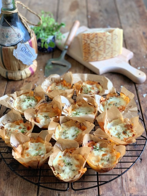 These clever little bakes are actually mini lasagne cups baked in a muffin tin and are perfect for a light lunch, family supper or even a picnic. They are made with pancakes, which are layered with a mixture of vegetables and bacon in a tomato sauce, grated Grana Padano cheese and are topped with Béchamel sauce and more Grana Padano cheese! Serve these little Grana Padano Pancake Lasagne Muffin Cups with fresh salad, olives and an Italian dressing.