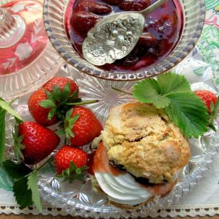 Sunday Tea Party! Devon Cream Tea with Strawberry Jam and Scones