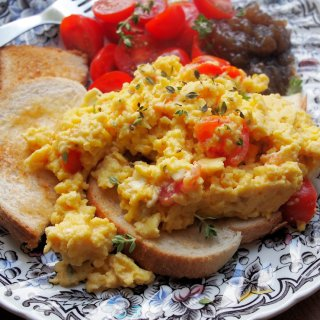 Somerset Scramble – Scrambled Eggs with Goat's Cheese, perfect for Breakfast, Brunch or High Tea