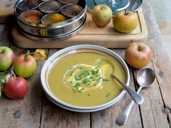Windfalls, September Harvest and Comforting Soups: Curried Leek and Apple Soup Recipe (5:2 Diet)