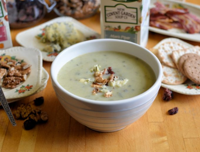 A well loved classic soup recipe. The finest, fluffy potatoes combined with softened leeks and onion, a knob of butter and milk then seasoned with white pepper, finished with a dash of chives and a splash of cream to create a simple but great tasting soup.