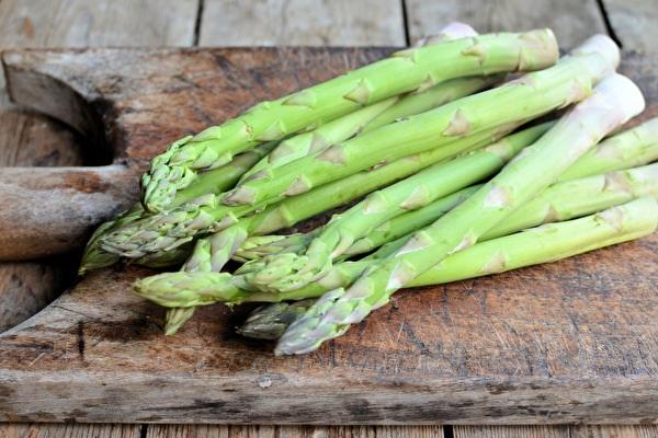 English Asparagus