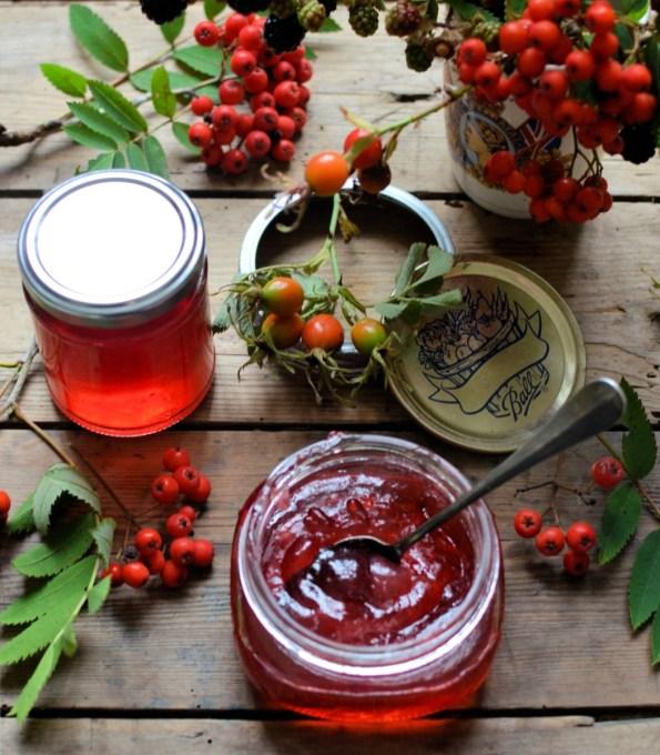 Rowan berry jelly