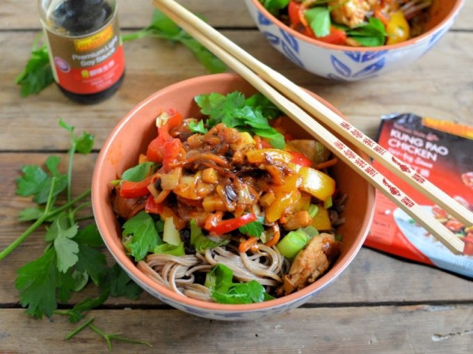 Kung Pao Stir-Fry Chicken and Noodle Bowls - Delicous bowls of noodles with spicy Kung Pao Chicken & Peppers, all made with ease using Lee Kum Kee's ready-made sauce
