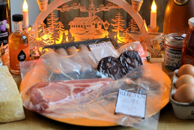 https://discoverdelicious.wales/product/breakfast-hamper-for-4/