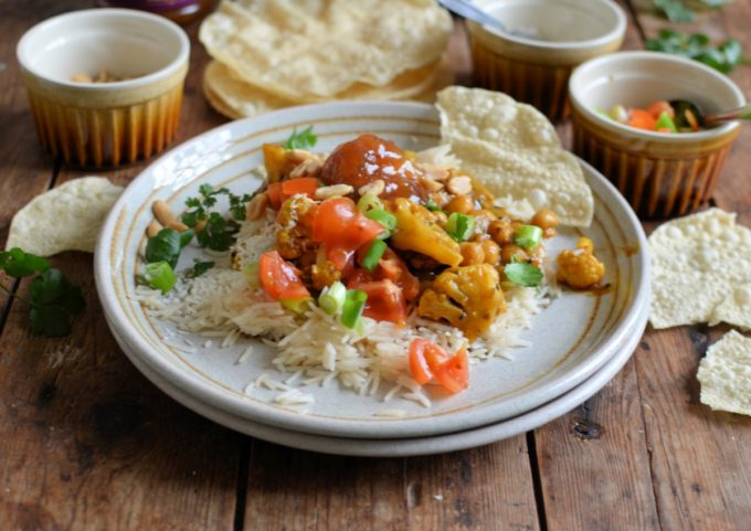 Toasted Cauliflower and Chickpea Curry - A simple vegan curry that is packed with lots of your five-a-day and some fabulous spices, such a turmeric, ginger and chilli.