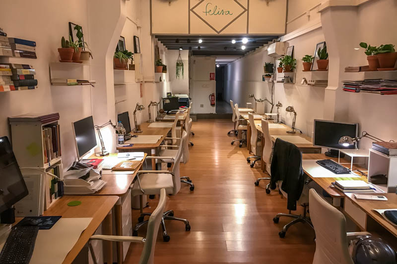 cafe per nomadi digitali a barcellona