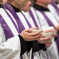 Abbiamo bisogno di preti e di preti santi!