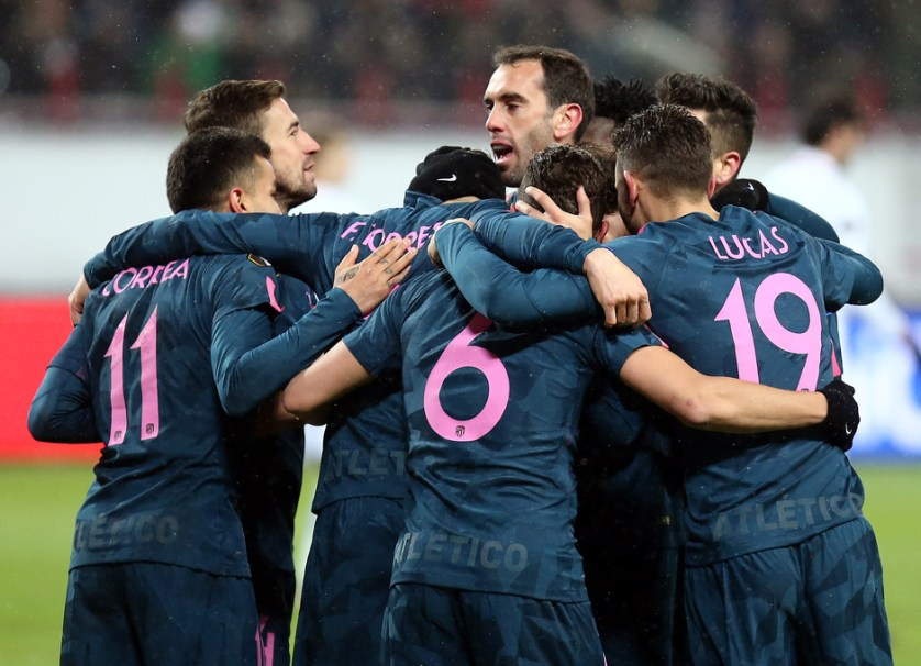 El equipo celebra la victoria frente al Lokomotiv. Foto: clubatleticodemadrid.com