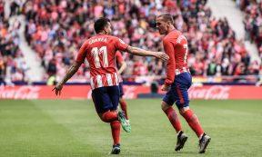 Correa y Griezmann celebran el golazo del francés. Foto: RUBÉN DE LA FUENTE