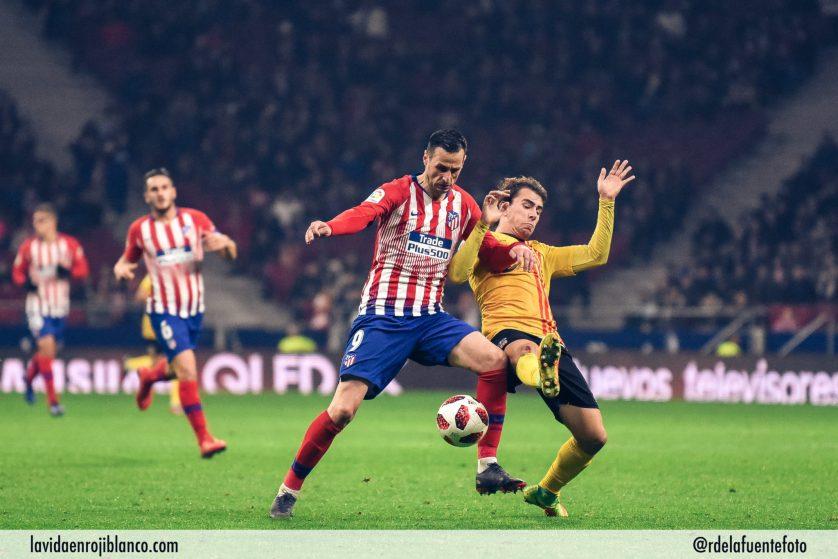 Por fin Kalinic consiguió su primer gol como rojiblanco. Foto: Rubén de la Fuente