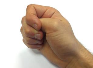 dor de artrite no punho de mãos