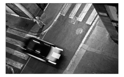 Rester debout au coin d'une rue….