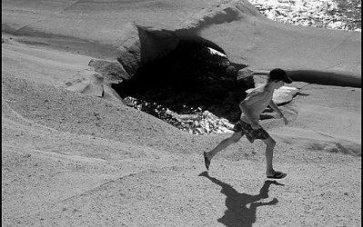 L'enfant et son ombre, Sarakiniko | Milos