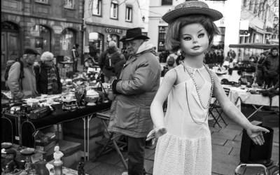 la poupée du marché aux puces