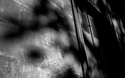 De l'ombre et des graffitti