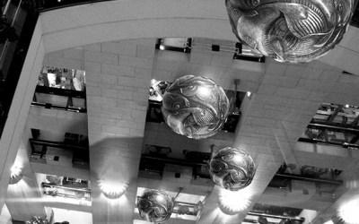 Chutes dans la Maison Escher