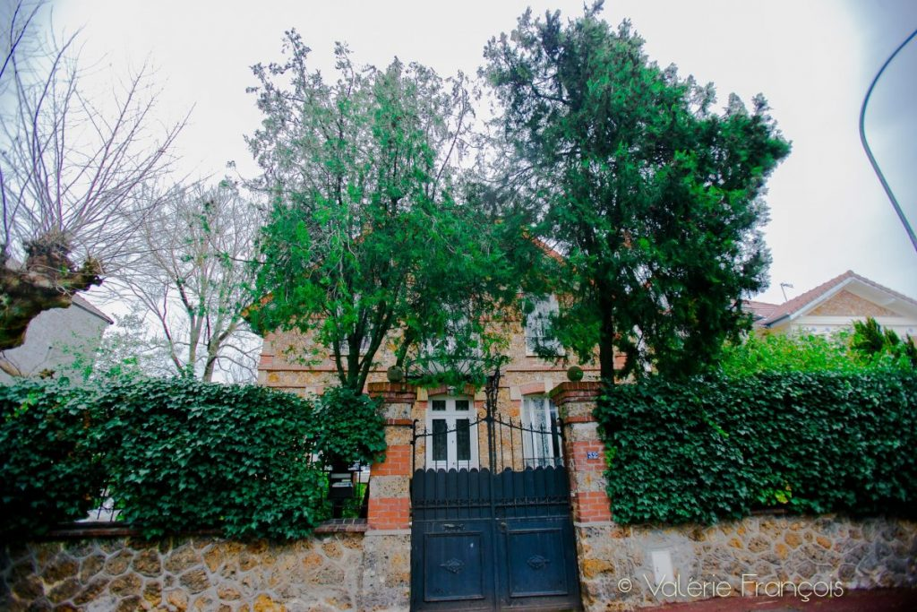 Le parc Fourchon à Chaville (92) est aujourd'hui doté de belles maisons bourgeoises et leurs jardins arborés. Jean-Claude en connaît tous les trésors.