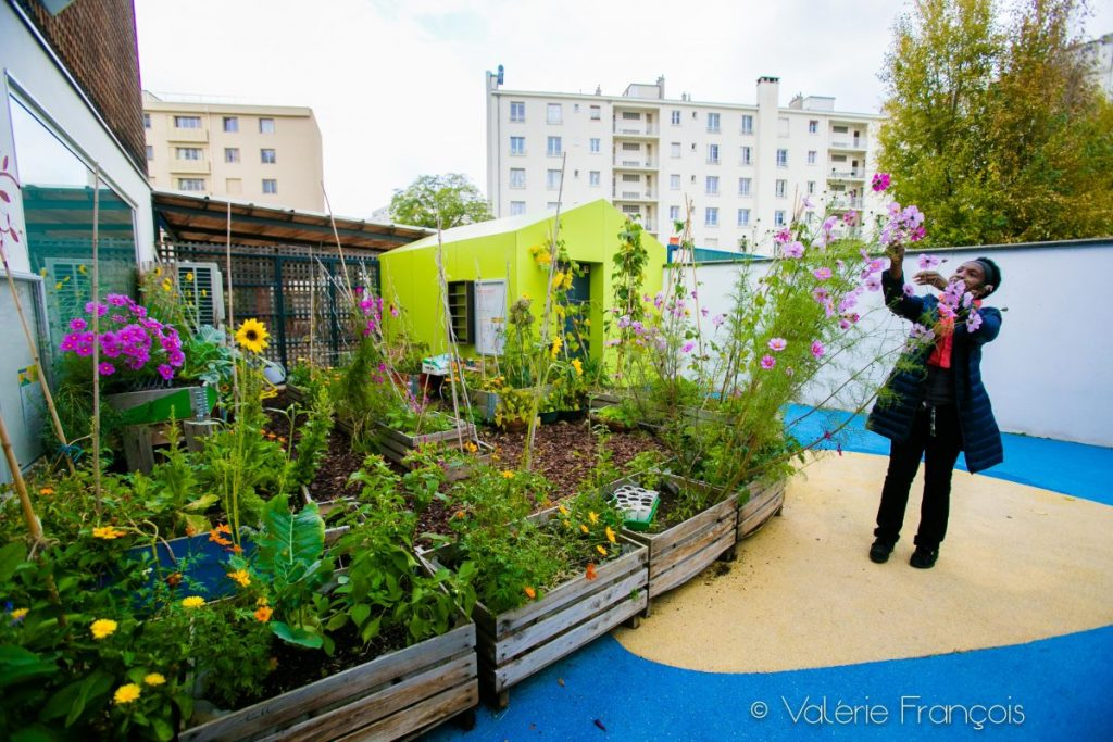 Jardinage en ville : le jardin pédagogique de la maison de famille de Courbevoie
