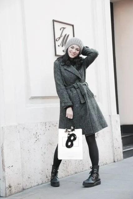 Lavinia Guglielman davanti lo store di Jo Malone London a Roma