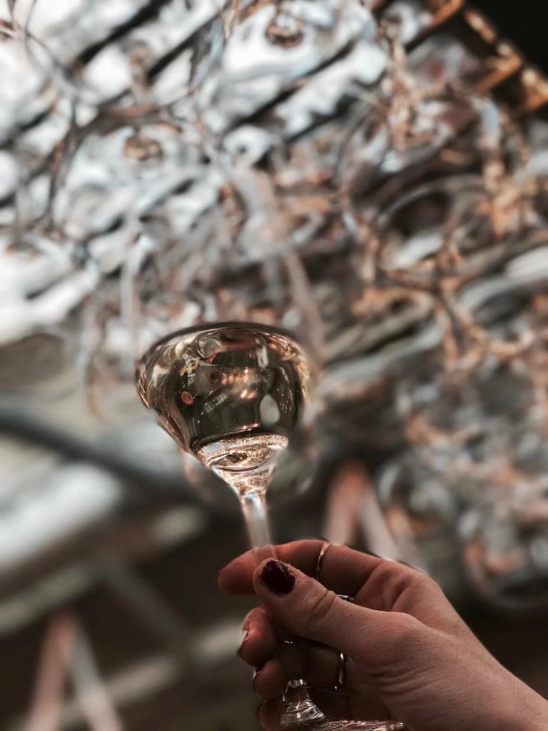 Lavinia Guglielman bicchiere di Vino