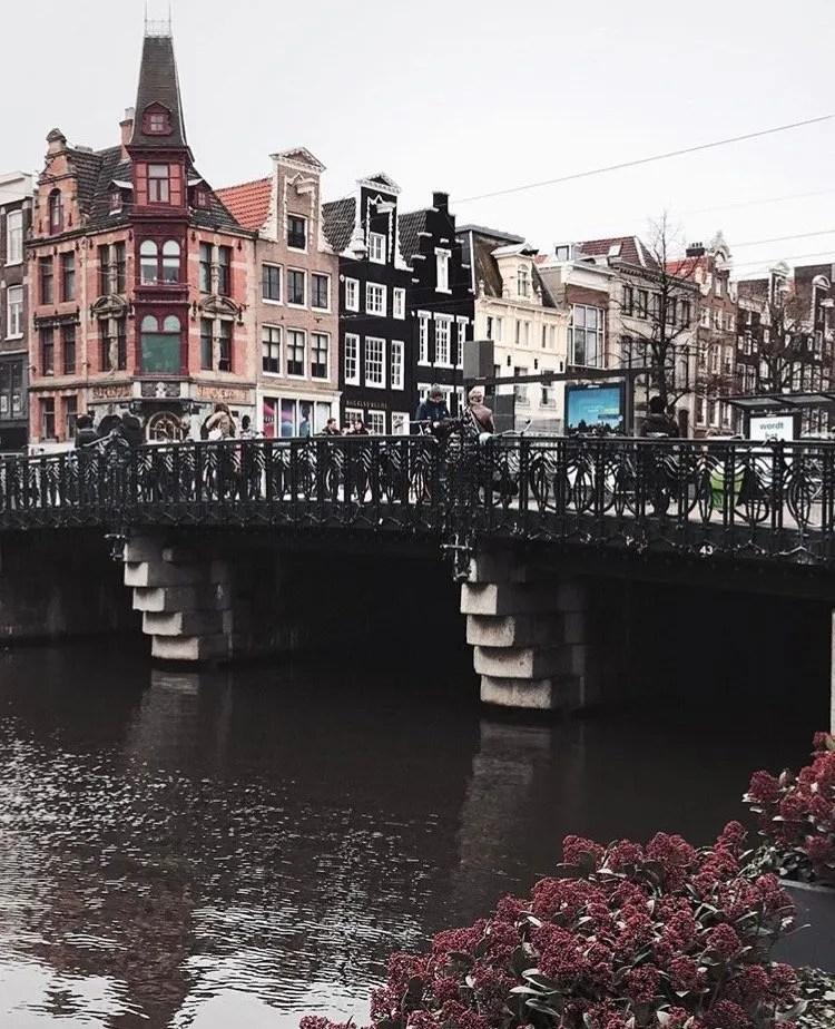Palazzi e canali di Amsterdam
