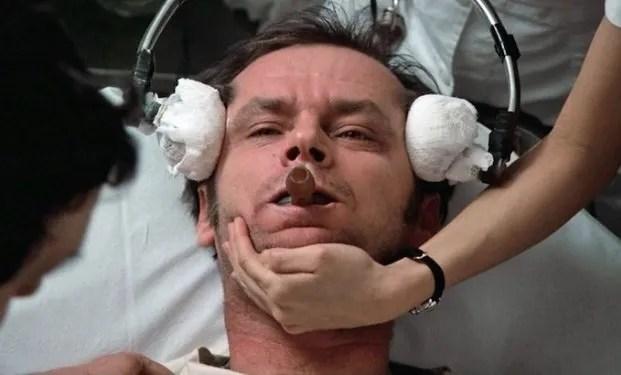 Jack Nicholson in una delle scene di Qualcuno volo sul nido del cuculo - come diventare attore