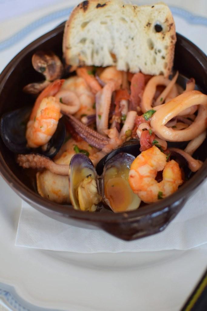 zuppetta di pesce e crostacei al Romantica Hotel di Ischia