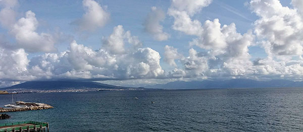 Il Golfo di Napoli visto da Palazzo Petrucci