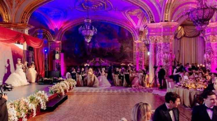 Atelier Emè Gran ballo per San Valentino a Montecarlo con Giorgia Palmas e Filippo Magnini