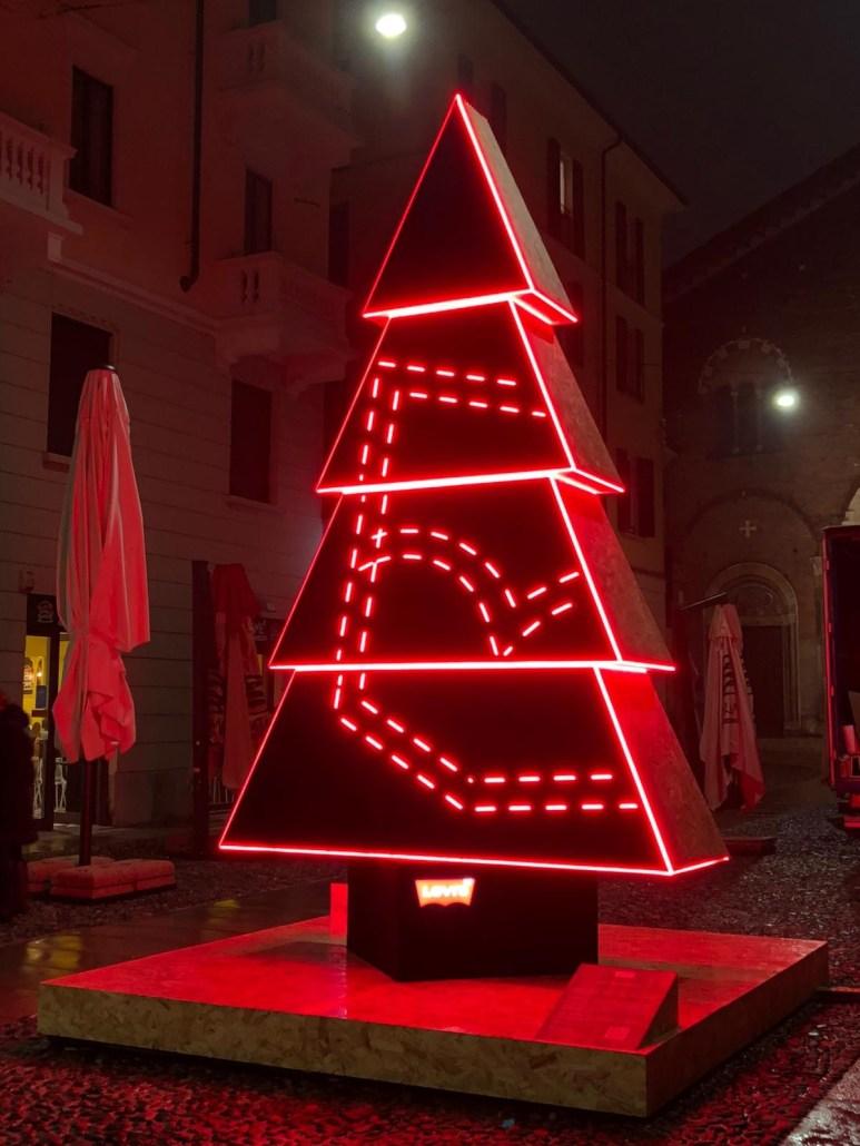 Albero_di_Natale_Levi's®_progetto_Natale_degli_Alberi_Levi's®_Tree_x_Milano_2020